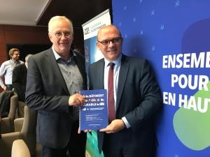 Bernard Loison et Frederic Nihous lors de la remise du rapport bâtiment durable 07 20